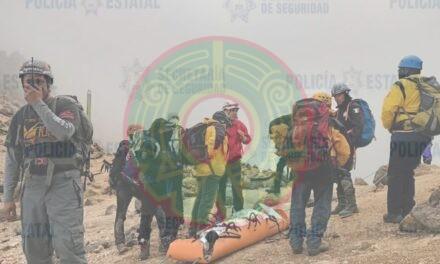 Rescatan a dos personas accidentadas en el Volcán Iztaccíhuatl