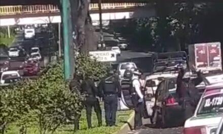 Accidente de tránsito sobre la avenida Lázaro Cárdenas, a la altura de Plaza Animas i