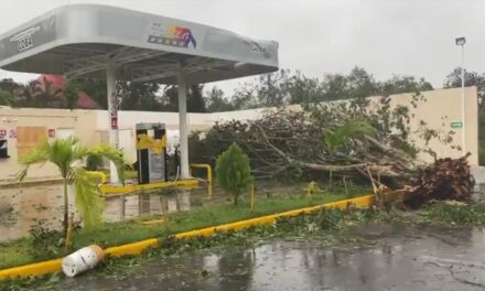 Huracán Grace toca tierra al sur de Tulum, Quintana Roo