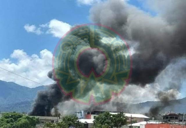 Indígenas queman casa del alcalde de Altamirano, Chiapas; retienen al edil