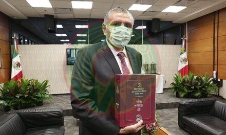 Adán Augusto hace entrega del Tercer Informe de Gobierno de AMLO