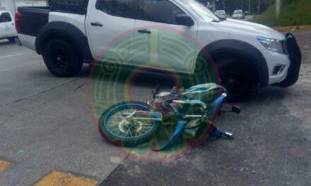 Motociclista lesionado Murillo Vidal, a la altura del Fraccionamiento El Tejar