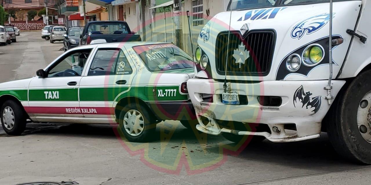 Accidente de Tránsito sobre la avenida Mártires 28 de Agosto, Xalapa