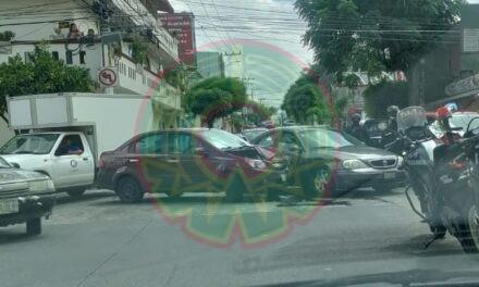 Accidente de tránsito en la Colonia Progreso Macuiltépetl, Xalapa