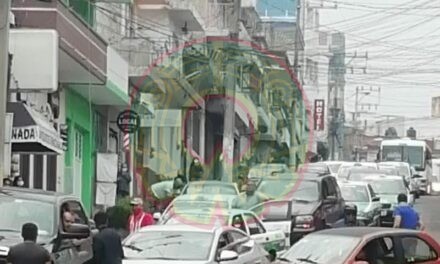 Accidente de tránsito sobre la calle Clavijero, Xalapa