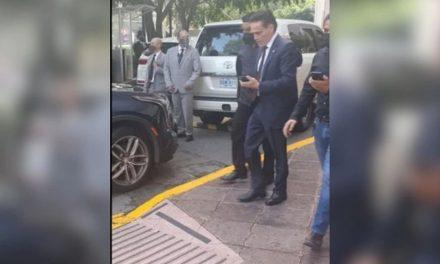 Detenido Alejandro del Valle, presidente del Consejo de Administración de Interjet