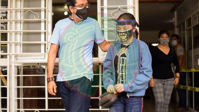 Vacunan contra Covid a Zulma y otros nueve niños con comorbilidades en Veracruz