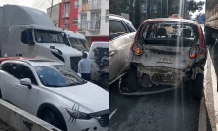 Video: Tráiler choca contra taxi, intenta huir y embiste a 5 autos más en Iztacalco