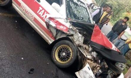 SE ACCIDENTA TAXI DE XALAPA EN LA CARRETERA FEDERAL HUATUSCO-TOTUTLA.