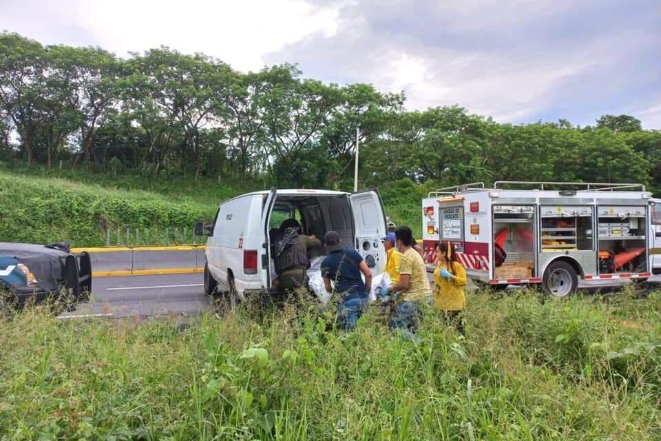 Fallecen 4 Cubanos en la carretera Acayucan- Isla