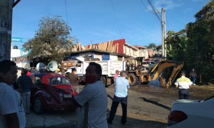 Elementos de la Policía lograron liberar la vía de comunicación que se mantenía obstruida hacia El Castillo
