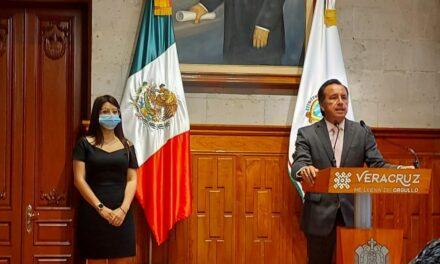 Dorheny García Cayetano e la nueva Secretaria del Trabajo en Veracruz