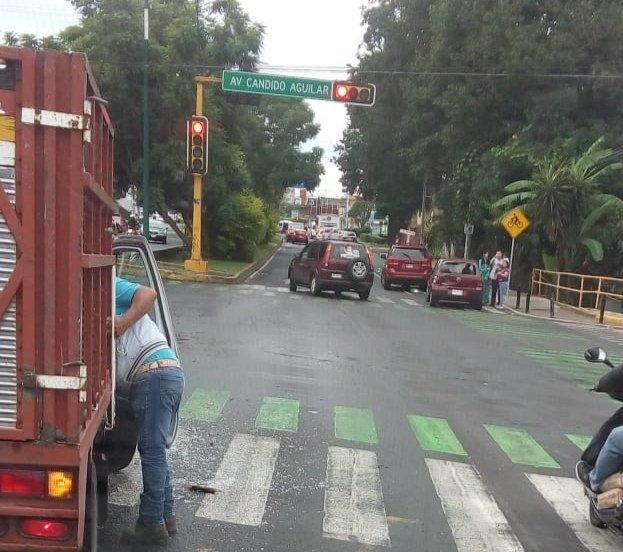 Accidente de tránsito en la avenida Ruiz Cortines, Xalapa