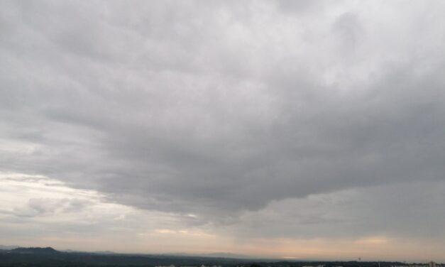En las siguientes 24 horas se espera poco cambio de temperatura, continúen las lluvias/tormentas aisladas en toda la entidad, y viento variable.