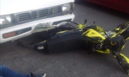 Motociclista lesionado en la avenida Central, Xalapa