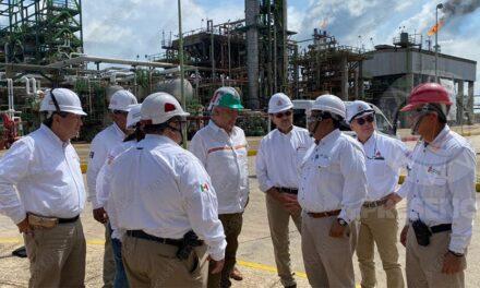 """""""Rehabilitación de refinería avanza con el talento de los trabajadores"""":AMLO"""