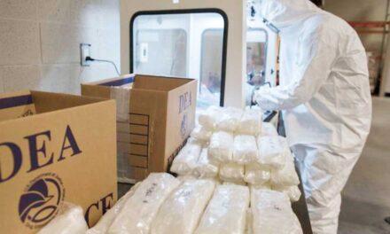 Alertan en EU por píldoras falsas con fentanilo y metanfetamina hechas en México