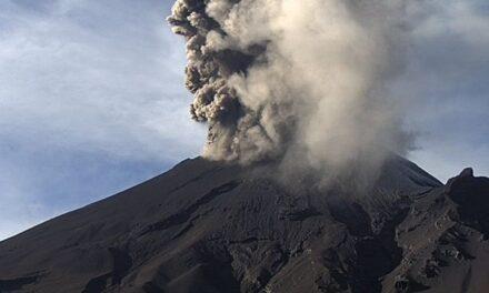 Video: El Popocatépetl presentó a las 10:16 de la mañana, otra explosión de 2 mil 200 kilómetros de altura