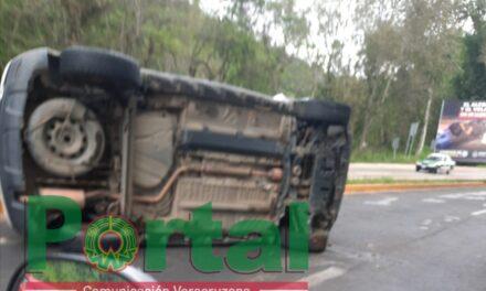 Se voltean en la carretera Xalapa – Coatepec