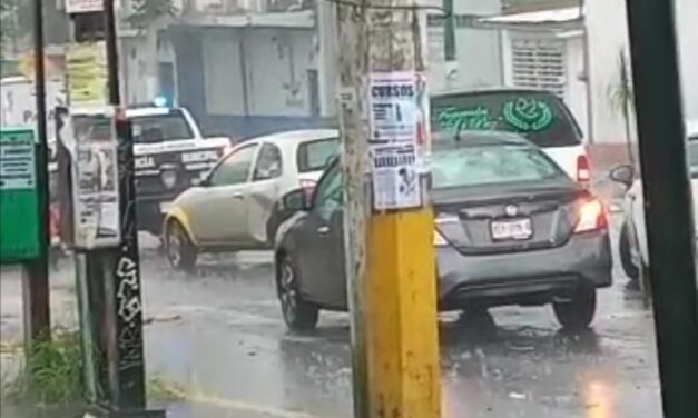Accidente de tránsito sobre la Avenida Ignacio de la Llave, Xalapa