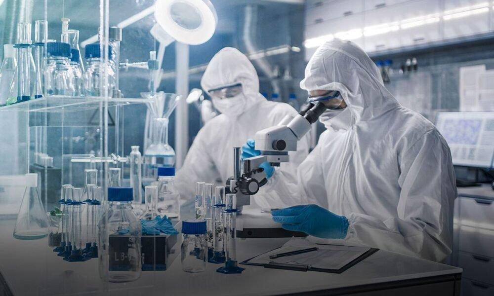 Científicos encuentran anticuerpo eficaz contra todas las variantes de covid