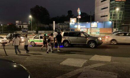 Accidente de tránsito sobre la avenida Lázaro Cárdenas, a la altura de