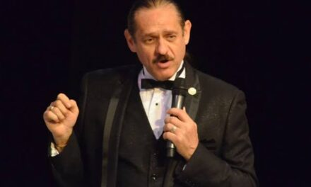 Hospitalizan de emergencia al comediante Teo González tras sufrir infarto