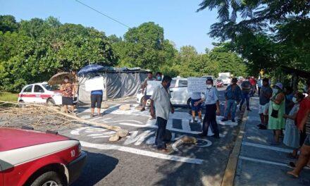 Bloquean carretera estatal Misantla – Martínez de la Torre
