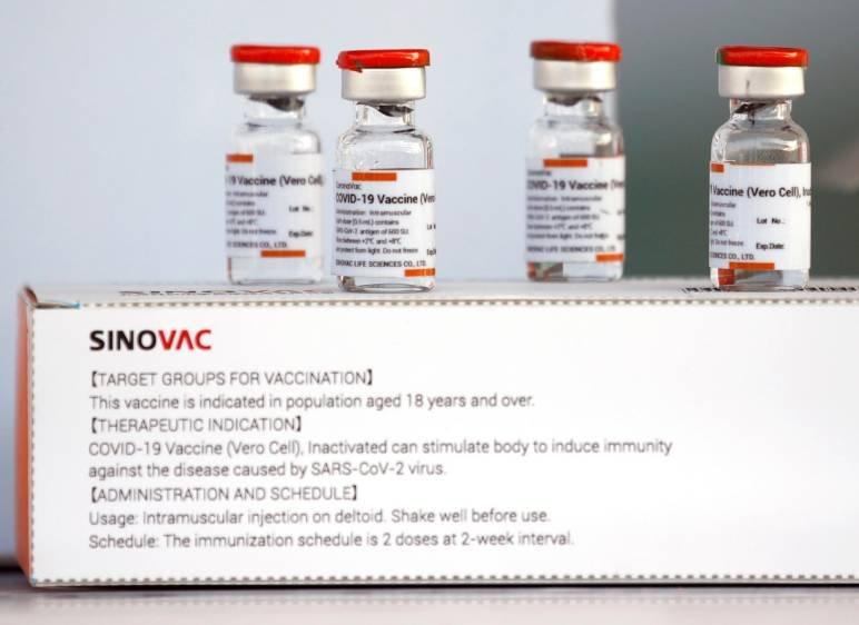OMS recomienda tercera dosis de vacuna china para mayores de 60 años