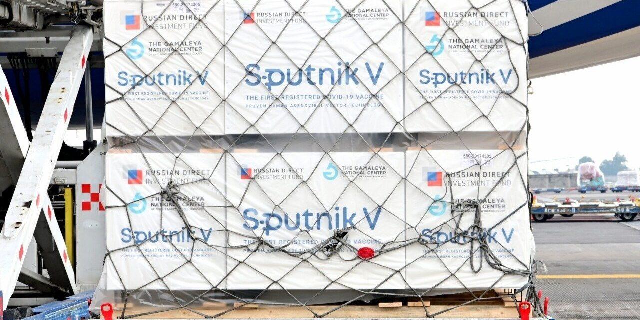 México llama a OMS a aprobar ya vacunas anticovid de Sputnik y CanSino