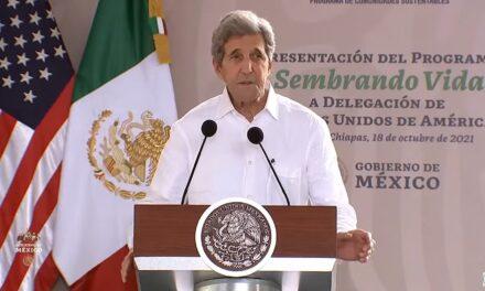 López Obrador presenta Sembrando Vida a John Kerry, enviado de Biden