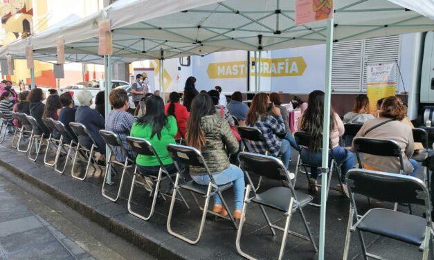 Realizan mastografías gratuitas en el centro de Xalapa
