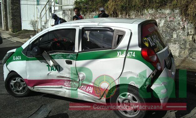 Accidente en la calle Osa Mayor en Xalapa