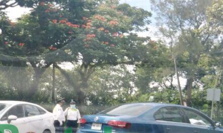 Acc de tránsito sobre la avenida Murillo Vidal, Xalapa