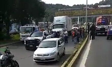 Detienen tráiler sobre el bulevar Xalapa – Banderilla, había causado accidente en Acajete